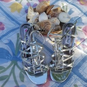 2 Lips Too Heels NWOB 8M Jeweled Silver Synthetic